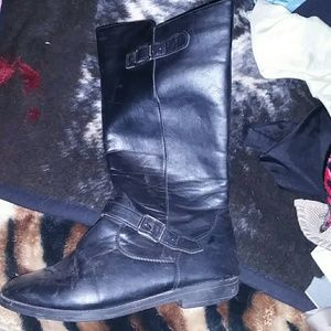 Leather boots size 8 woman's